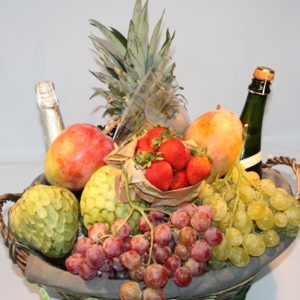 Cestas de fruta cava y piña - Fruteria de Valencia