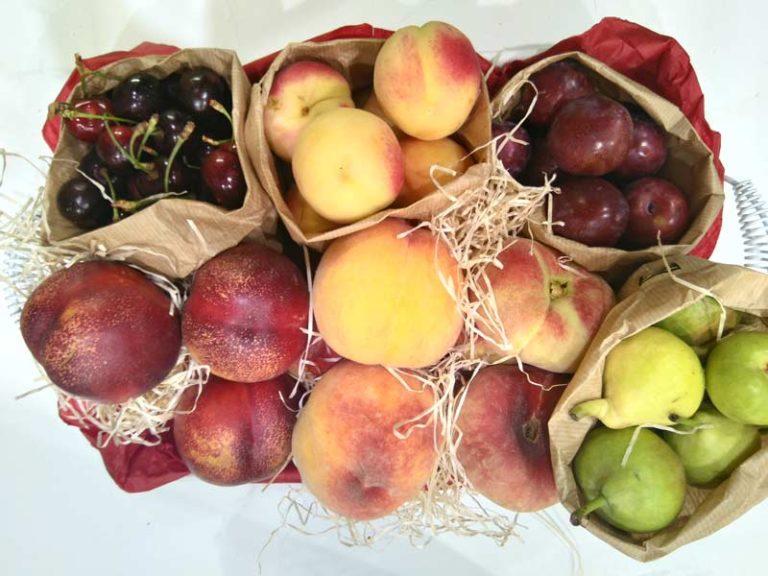 cesta de fruta de verano